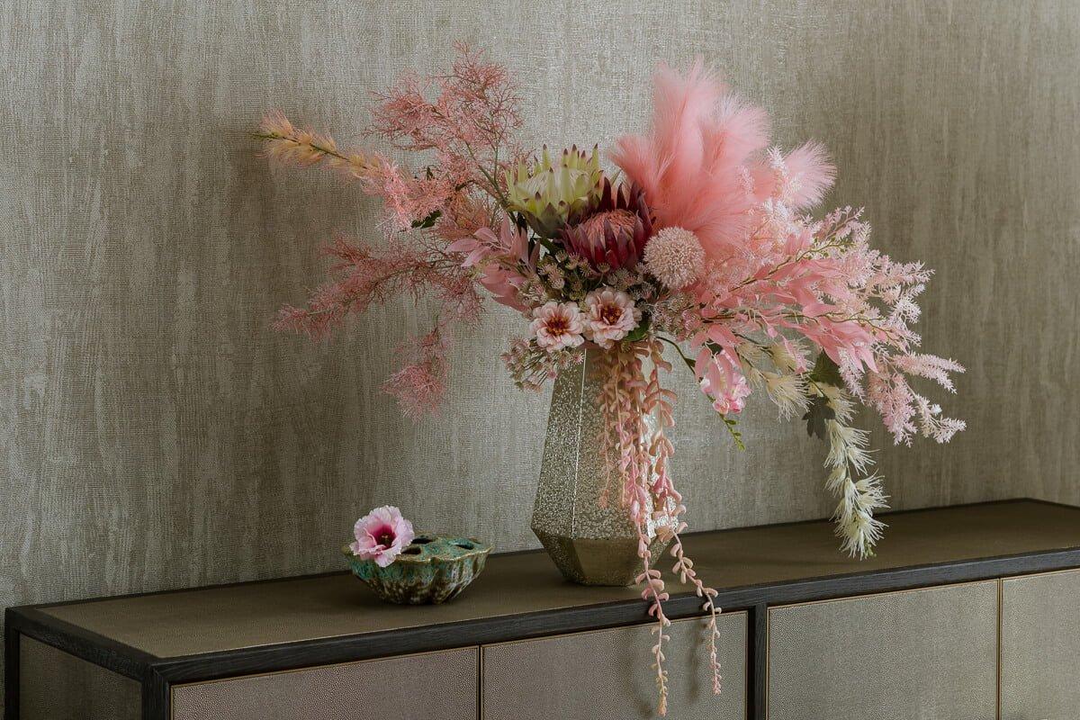 artificial flowers arragement interior design