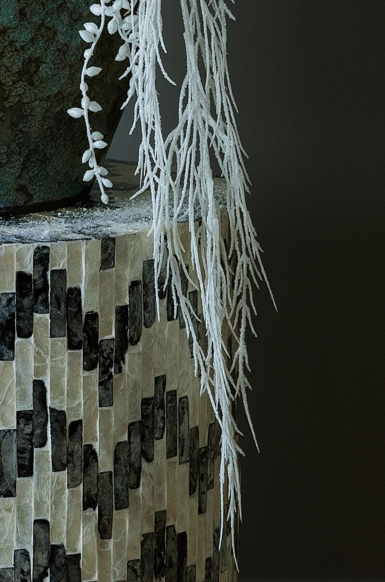 interior design in artificial flowers